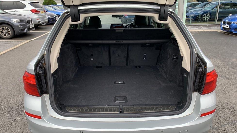 Image 13 - BMW 520d xDrive SE Touring (CY67FUD)