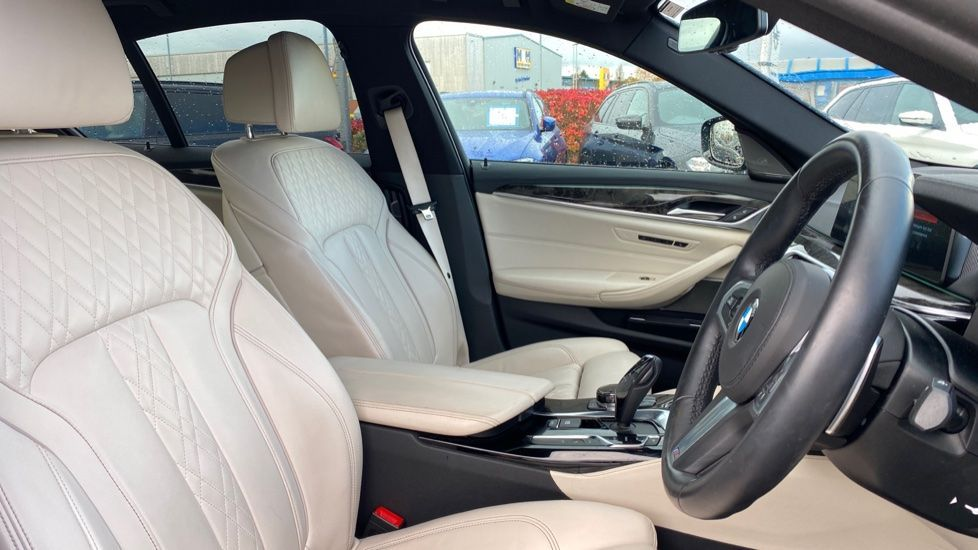 Image 11 - BMW 530e M Sport iPerformance Saloon (KE67DZL)