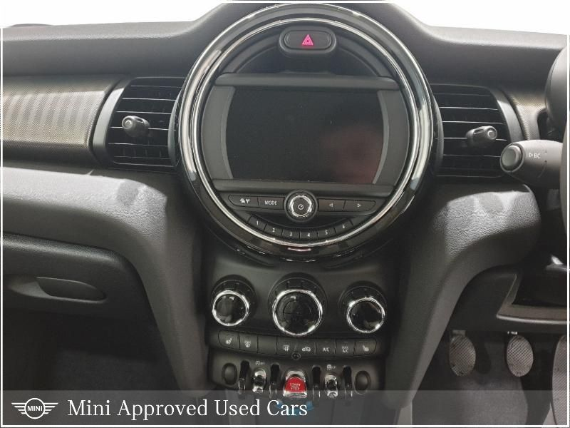 Used MINI Hatch F56 MINI 3-Door Hatch Cooper Exclusive L (2020 (201))