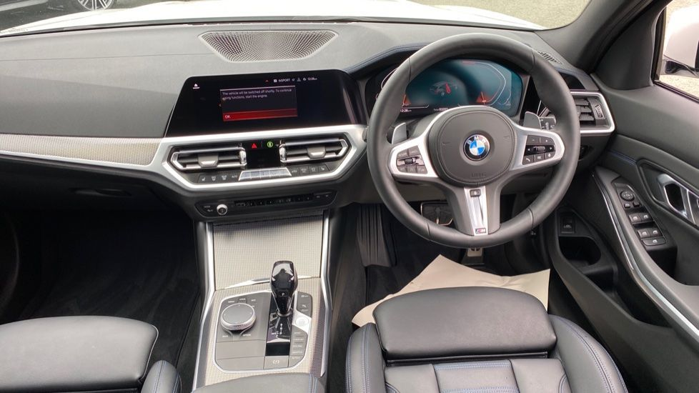 Image 4 - BMW 320d xDrive M Sport Touring (YH69GDX)