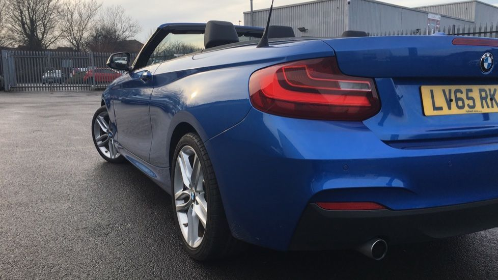 Image 26 - BMW 220i M Sport Convertible (LV65RKY)