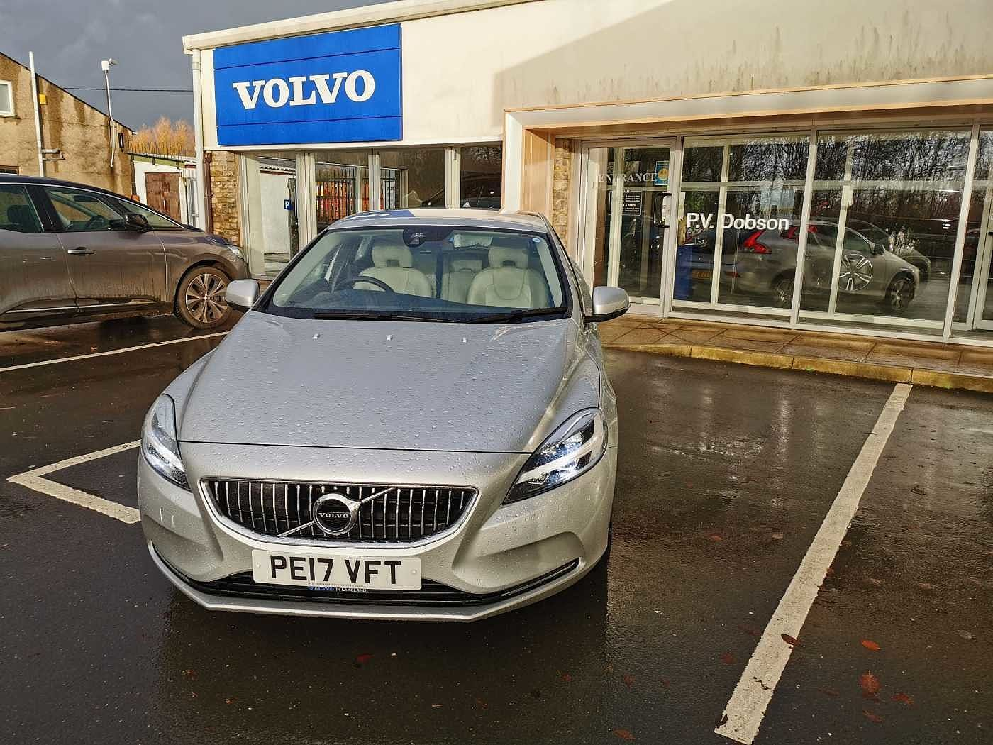 Volvo V40 1.5 T2 Inscription 5-Door Hatchback