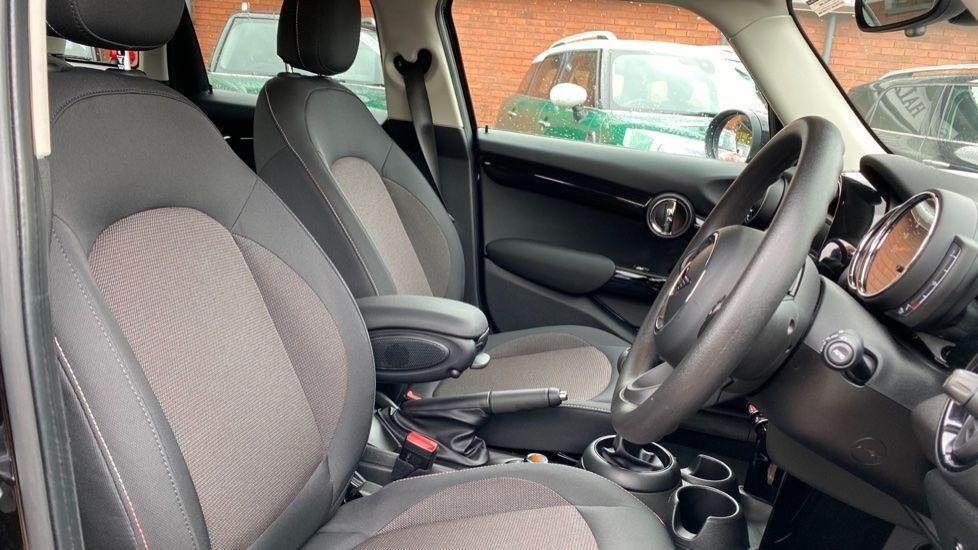 Image 11 - MINI Hatch (MX69WRG)