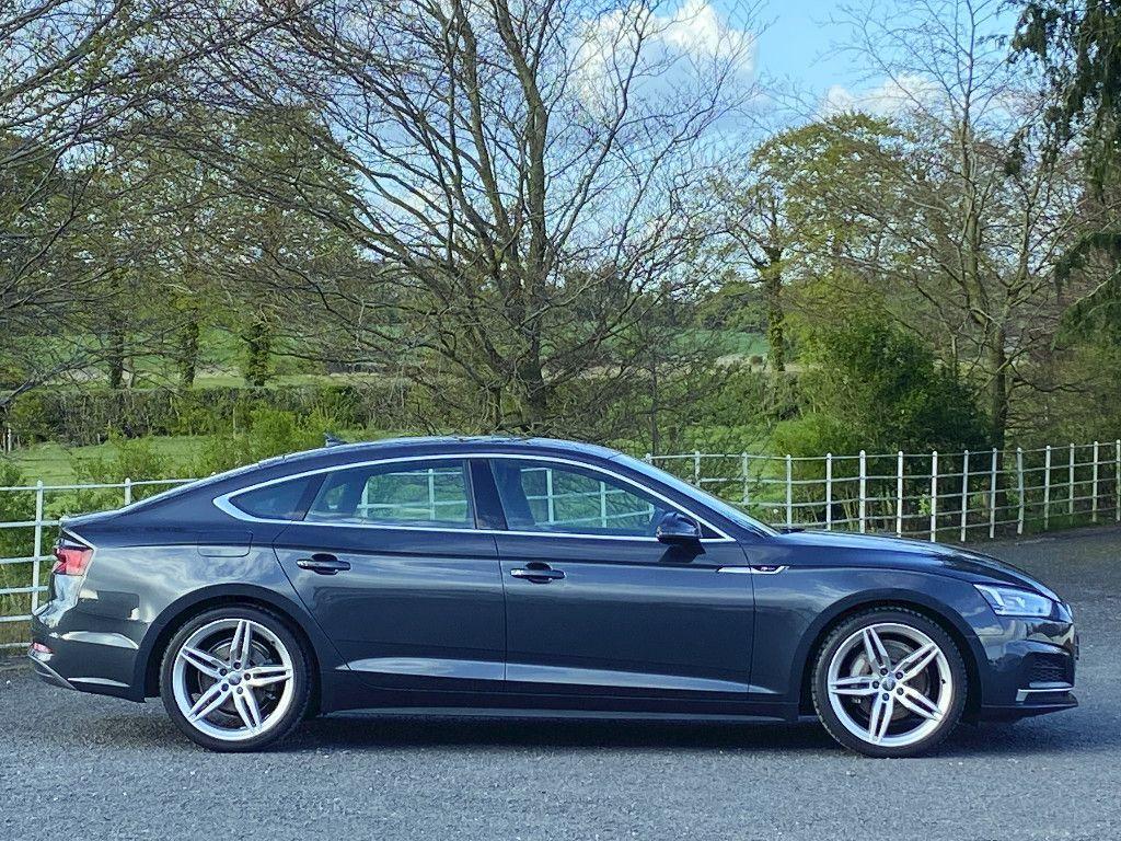 Audi A5 40TDI S-Line Sportsback S-Tronic // Virtual Cockpit