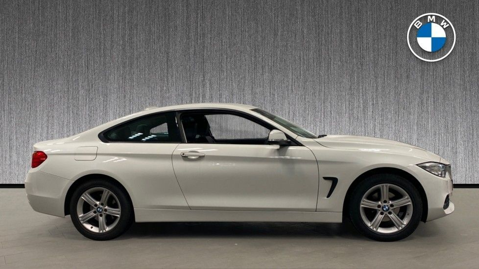 Image 3 - BMW 420i xDrive SE Coupe (PE17MVF)