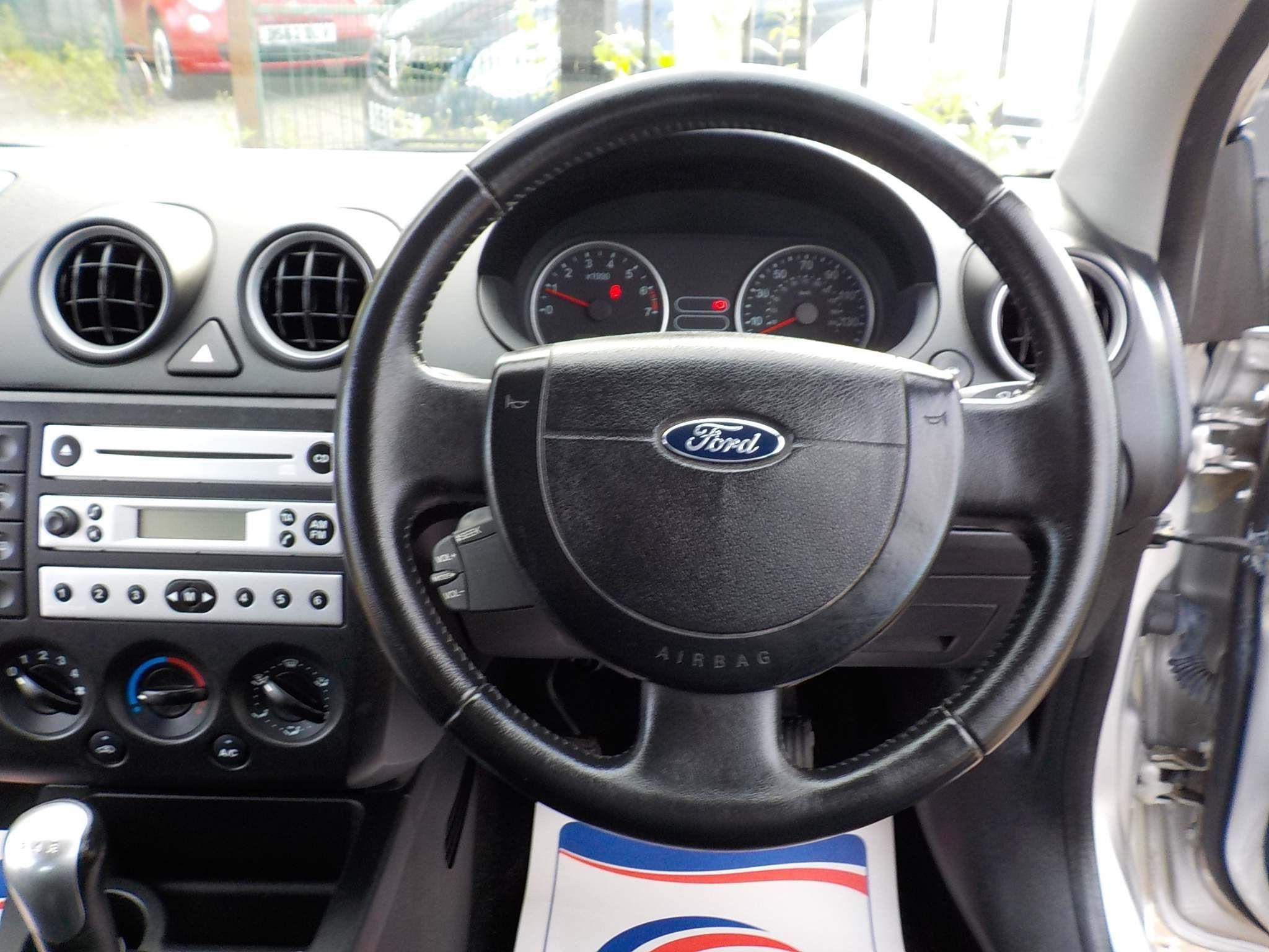 Ford Fiesta 1.4 Ghia 5dr