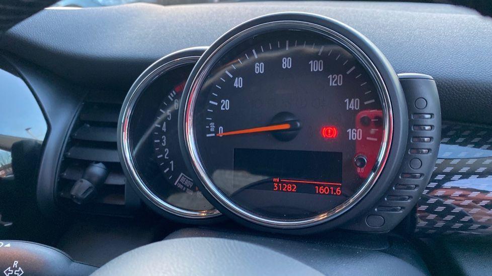 Image 9 - MINI Hatch (MF15LBJ)