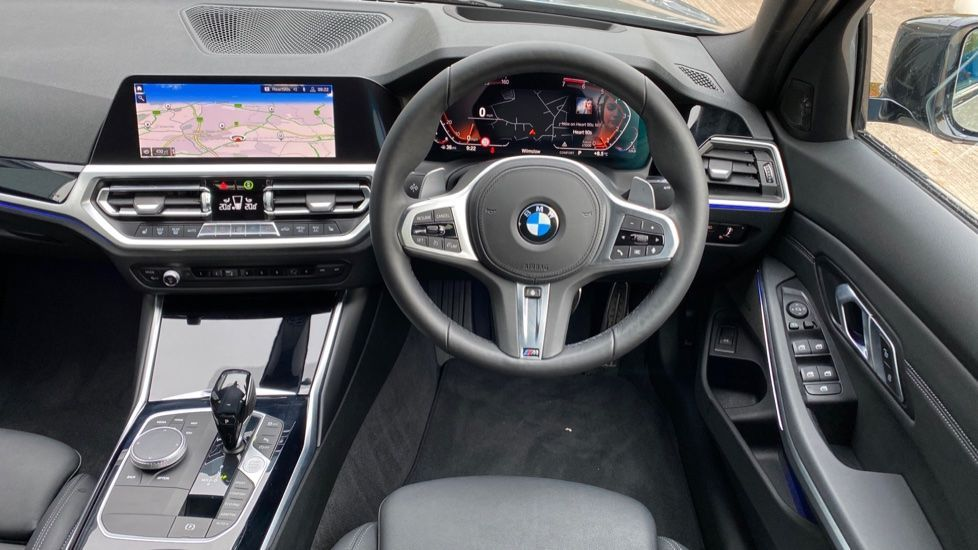 Image 8 - BMW 320i M Sport Plus Edition Saloon (MF20KHA)