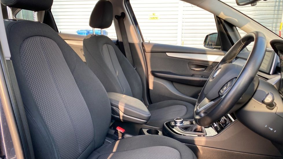 Image 11 - BMW 216d SE Active Tourer (MC17VBX)
