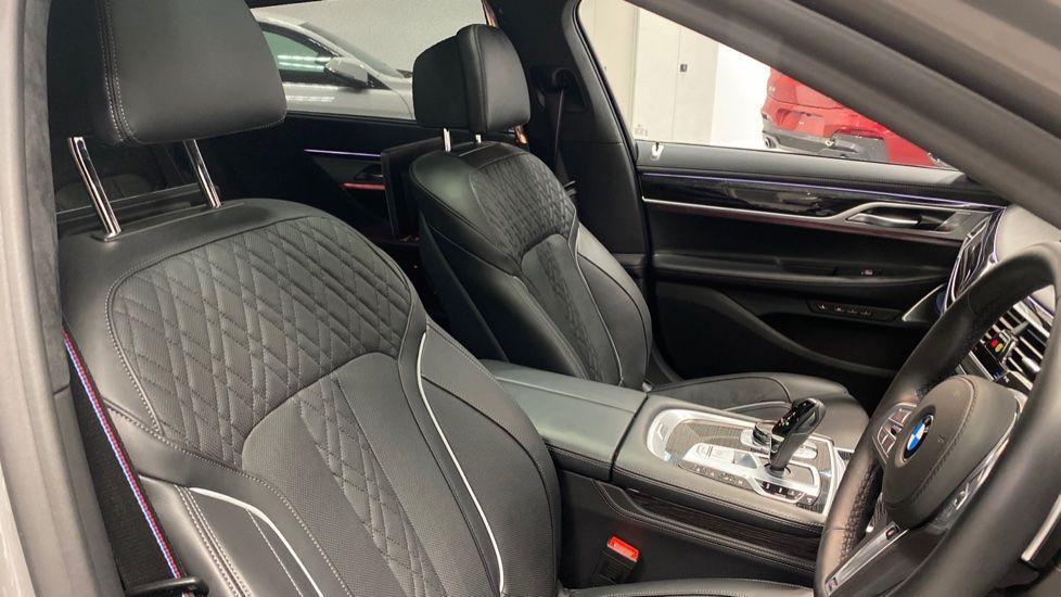 Image 11 - BMW 745Le xDrive M Sport Saloon (YG20OWX)