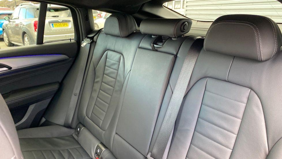 Image 12 - BMW xDrive30d M Sport (MJ19WHP)