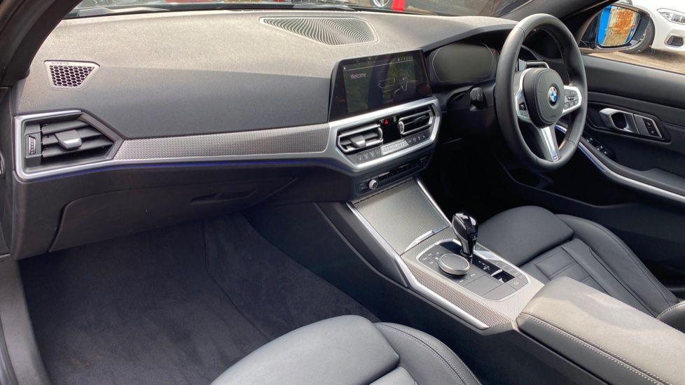 Image 6 - BMW 320i M Sport Saloon (YH20FLJ)