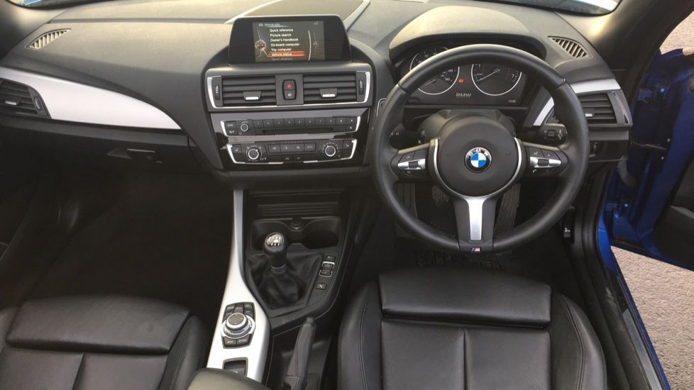 Image 11 - BMW 220i M Sport Convertible (LV65RKY)