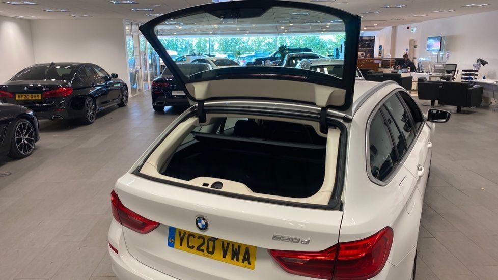 Image 27 - BMW 520d SE Touring (YC20VWA)