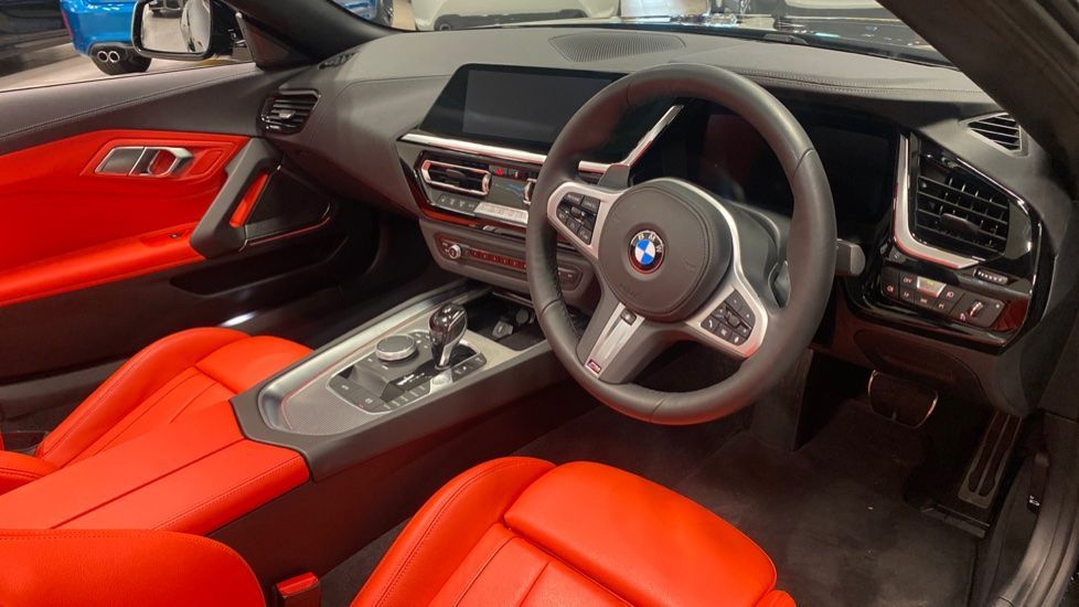 Image 5 - BMW sDrive20i M Sport (PJ20FPP)