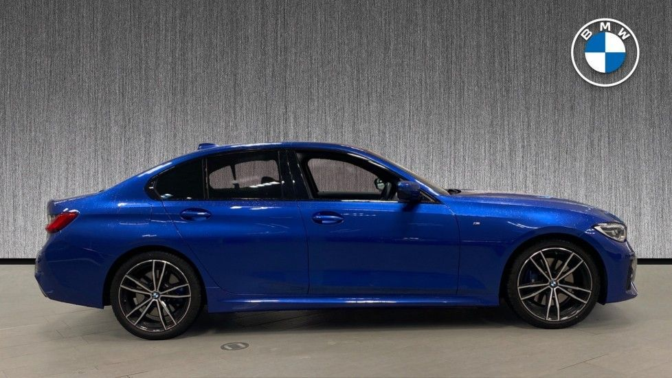 Image 3 - BMW 320d M Sport Saloon (YB69WNR)