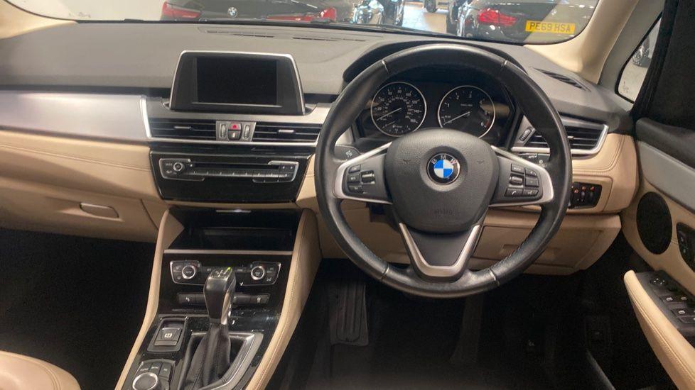 Image 4 - BMW 218d Luxury Active Tourer (PO15VTN)