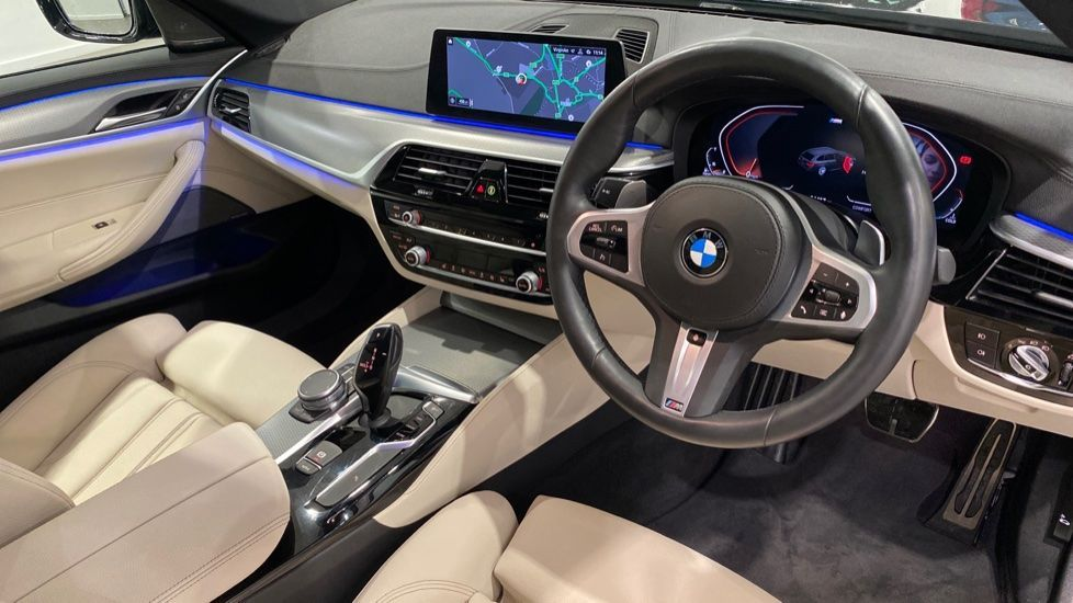Image 4 - BMW 520d M Sport Touring (YB69DWD)