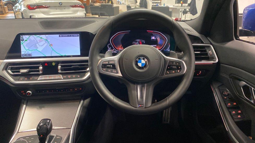 Image 8 - BMW 320d M Sport Saloon (YB69WNR)