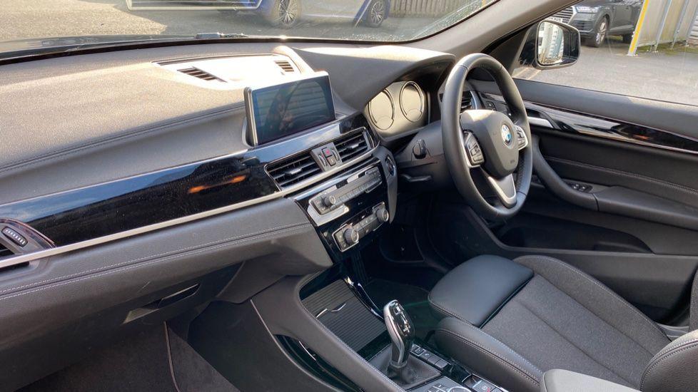 Image 6 - BMW sDrive18i Sport (YH20WBT)