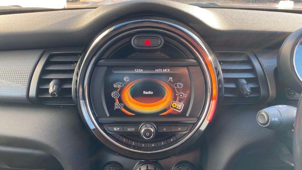Image 7 - MINI Hatch (MA17XGE)