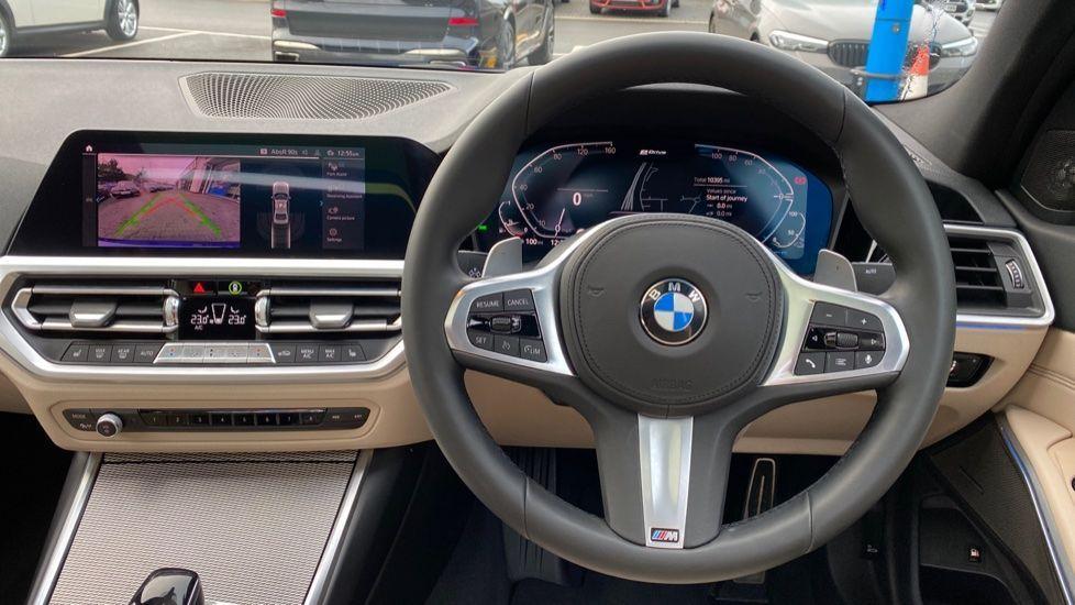 Image 8 - BMW 330e M Sport Saloon (YH69DJD)