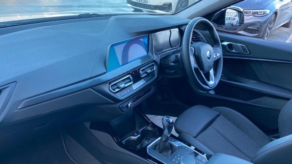 Image 6 - BMW 118i Sport (YF69HKN)