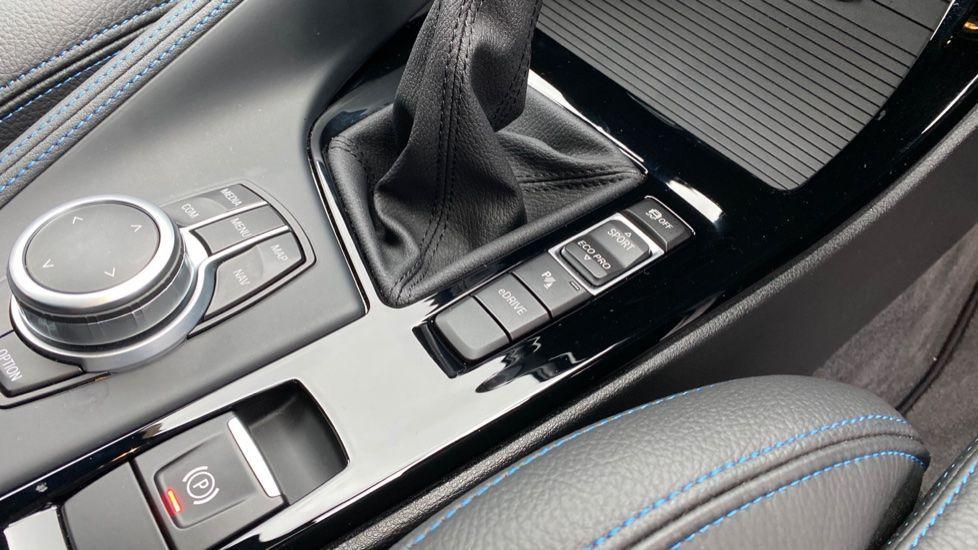 Image 19 - BMW xDrive25e M Sport (MJ20MWM)