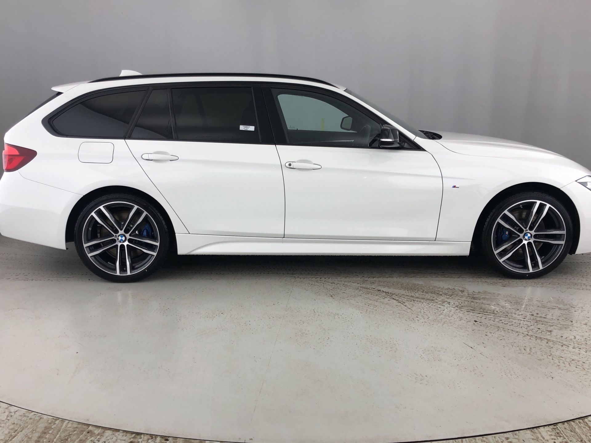 Image 3 - BMW 320d xDrive MSport ShadowEdition Touring (YA68MZT)