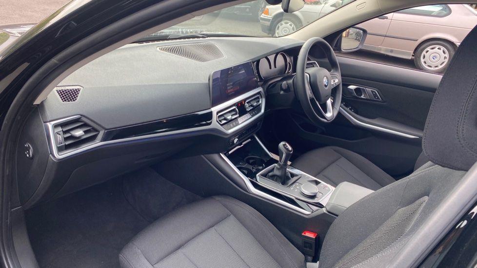 Image 6 - BMW 320d SE Saloon (YJ69RSF)