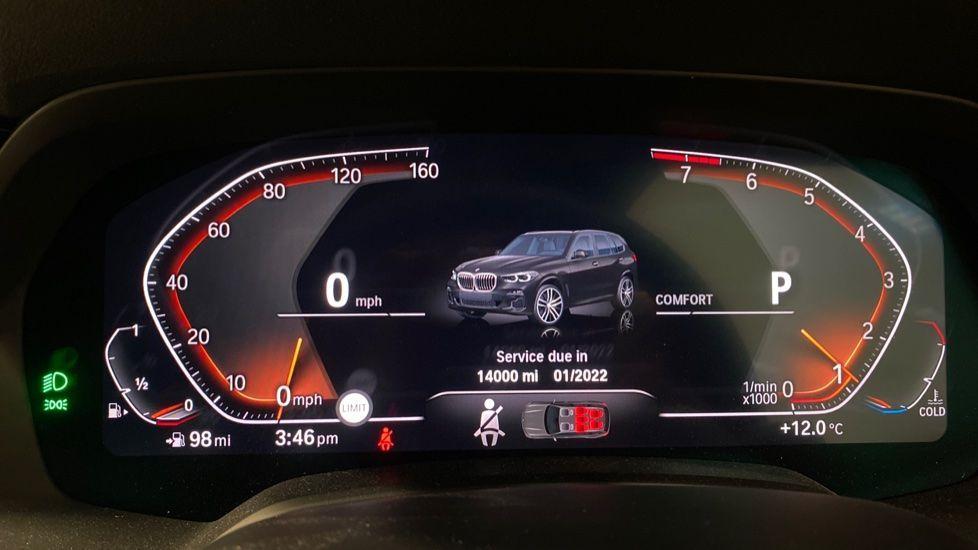 Image 9 - BMW xDrive40i M Sport (YE20DWY)