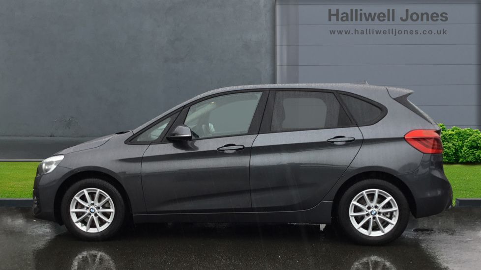 Image 3 - BMW 220d SE Active Tourer (YH19MMP)