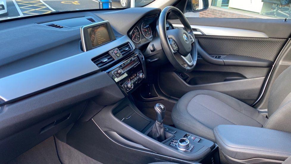 Image 7 - BMW sDrive18d SE (CX66WGJ)