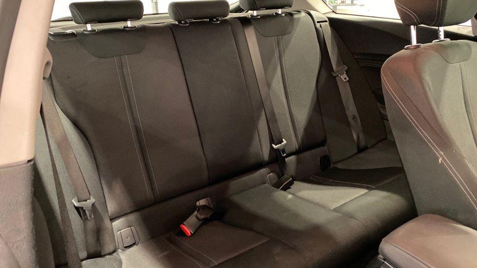 Image 9 - BMW 118i Sport 3-Door (LT17KBV)