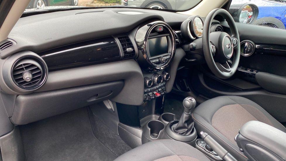 Image 6 - MINI Hatch (MX69WRG)