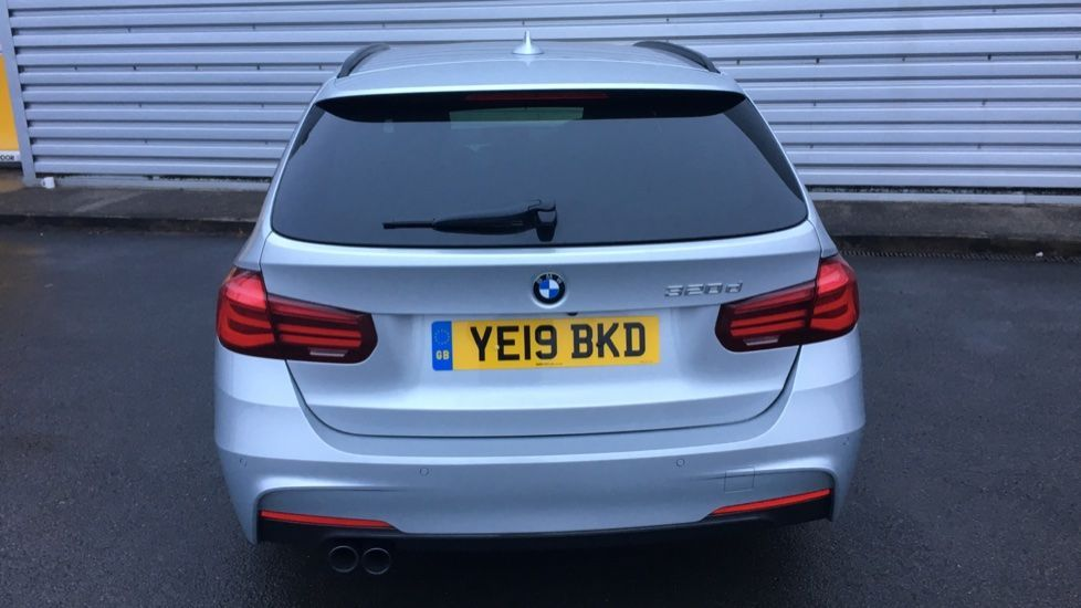Image 25 - BMW 320d M Sport Shadow Edition Touring (YE19BKD)