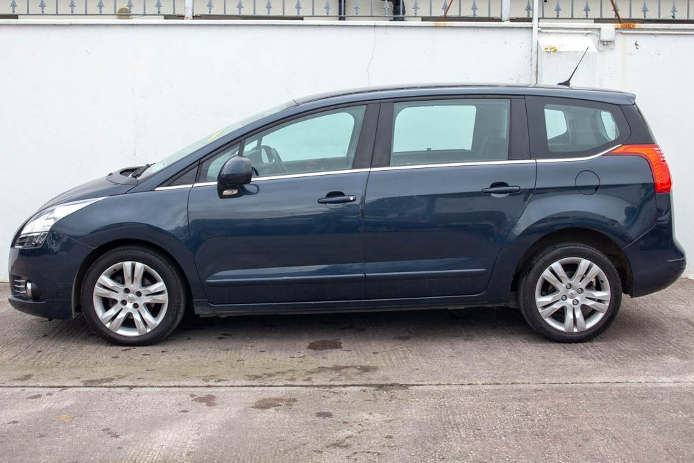 Used Peugeot 5008 ACTIVE 1.6 HDI 115 4DR (2014 (141))