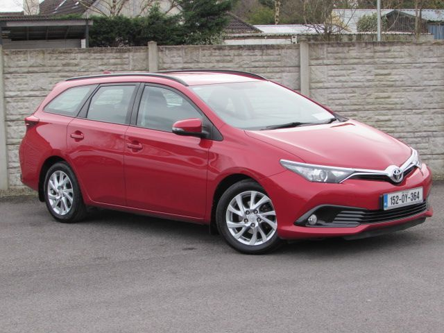 Toyota Auris AURA TOURER 1.4 DIESEL WITH 87,000 KMS WITH WARRANTY ANY TRADE IN WELCOME