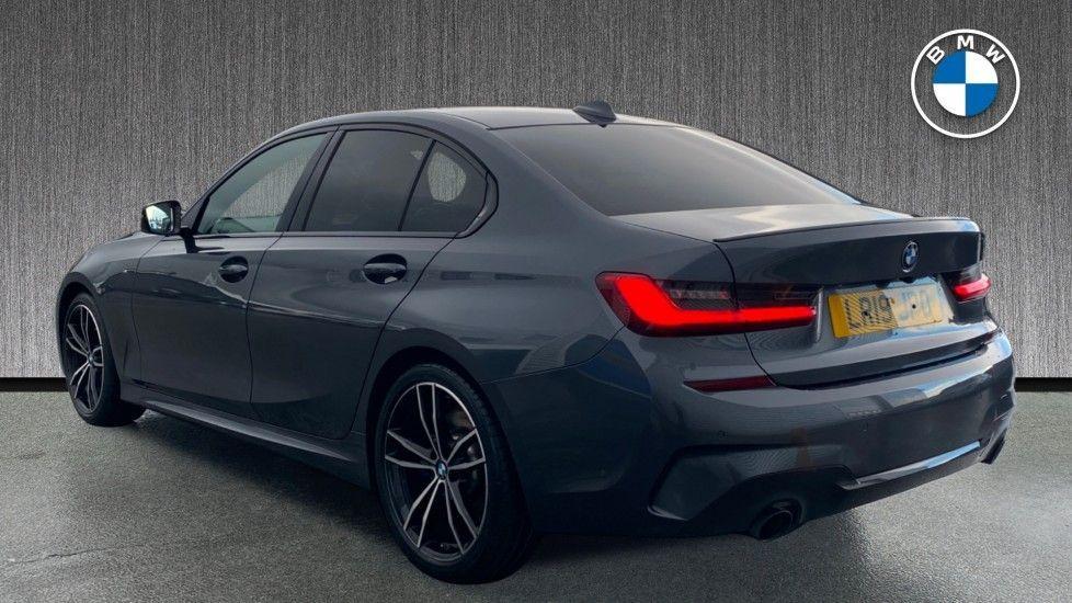 Image 2 - BMW 320i M Sport Saloon (LR19JPO)
