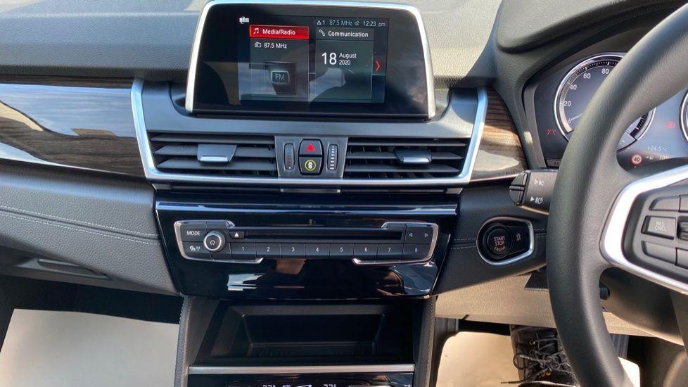 Image 7 - BMW 218i Luxury Active Tourer (YC69FNN)
