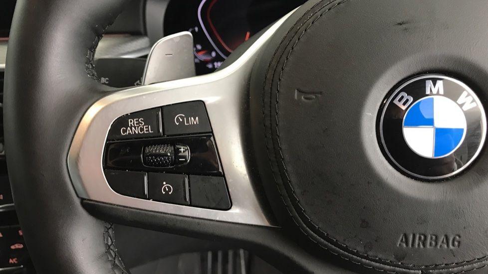 Image 17 - BMW 520d M Sport Touring (YB69VCJ)
