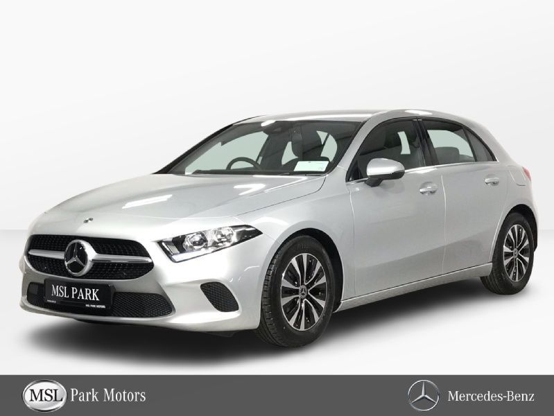 Mercedes-Benz A-Class 180 - Reversing Camera - Cruise Control - Bluetooth Phone - Leather Interior - Heated Front Seats - Automatic Lights & Wipers - Dual Climate Control