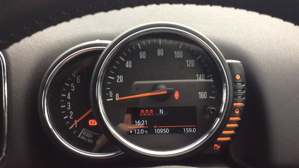 Image 6 - MINI Countryman (CX18XVP)