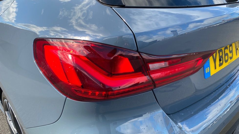 Image 21 - BMW 118i M Sport (YB69VFJ)
