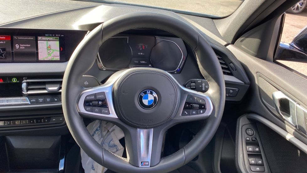Image 8 - BMW 118i M Sport (YB69VFJ)