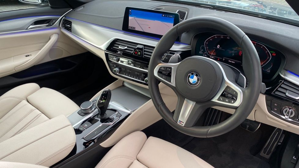 Image 5 - BMW 530d M Sport Saloon (CX20YMU)