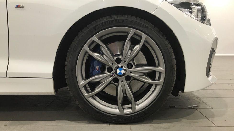 Image 14 - BMW M140i 5-door (DC17WCD)