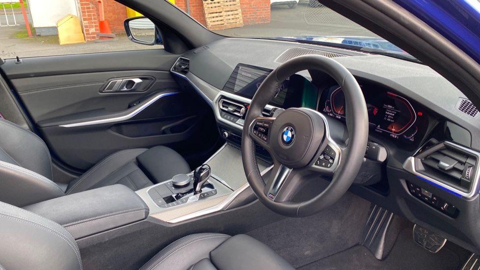 Image 5 - BMW 320d M Sport Saloon (YB69WNN)