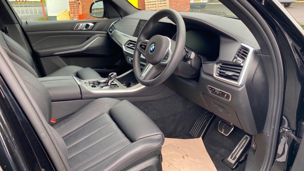 Image 5 - BMW xDrive30d M Sport (YG20OYT)