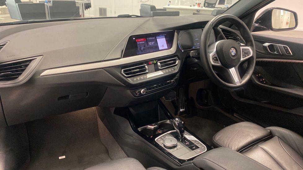 Image 6 - BMW 118i M Sport (YK69JDM)